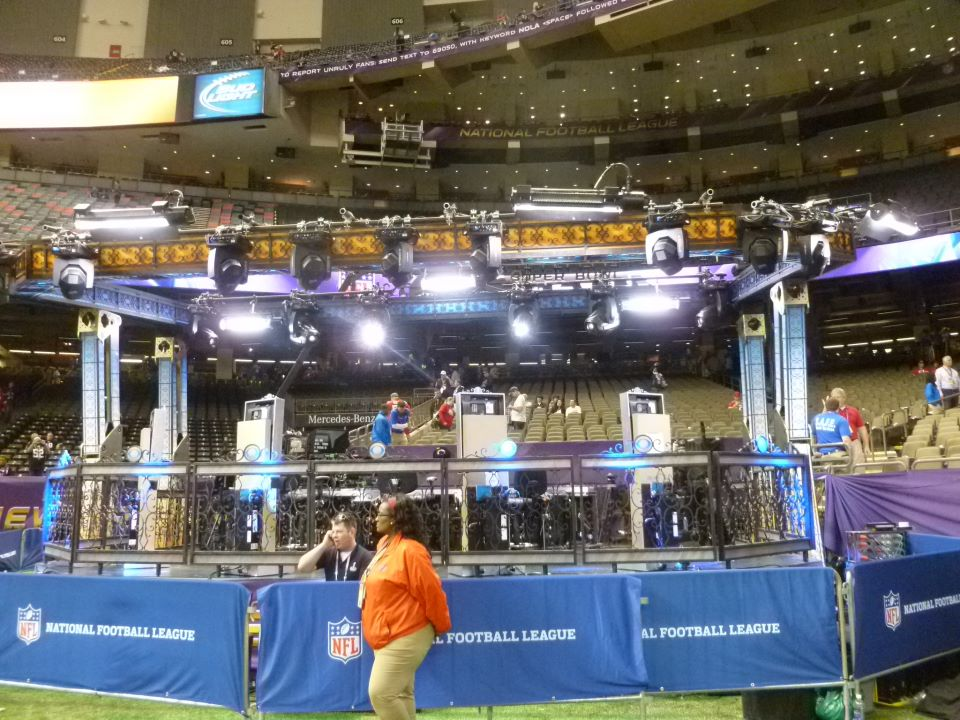 Super Bowl XLVII CBS Sports Set - New Orleans, Louisiana